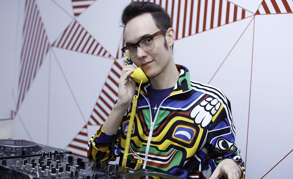 DJ Johnny Luxo